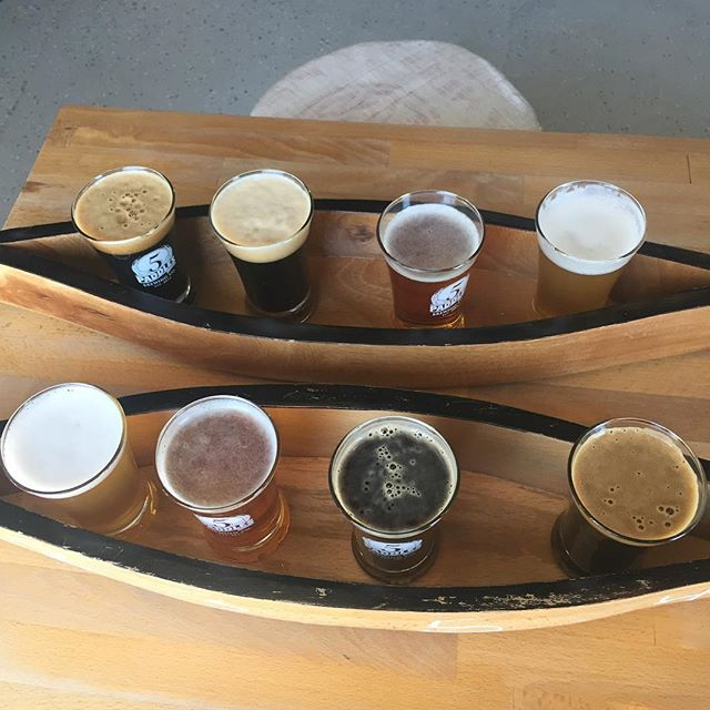 What trip to Toronto is complete without a stop into Whitby's @5paddlesbrewing? No way would we miss out on a chance for some #craftbeer in a #canoe! Today's offerings include Canoe & Paddle Saison, Italian Backyard, Shillelagh O'Sullivan Stout, and Midnight Paddler Royal Canadian Stout.