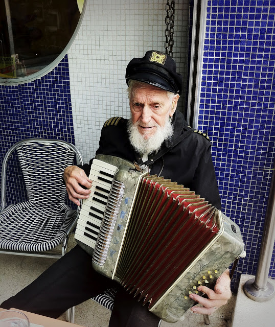 Accordion+Man.jpg