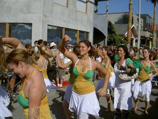 samba+girls.JPG