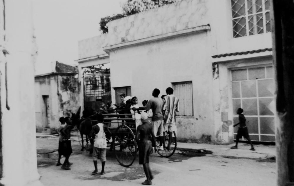 Cuba Cart & Kids.jpg