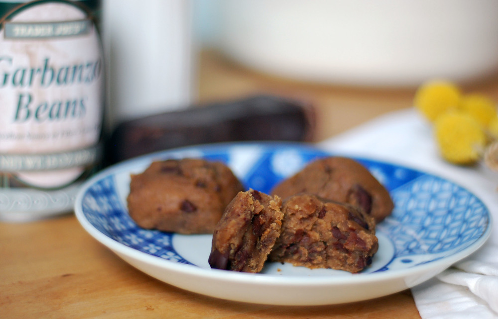 GarbanzoBeansChocCookies2.jpg