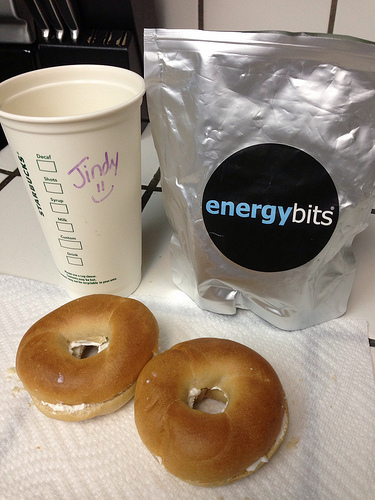 Race day breakfast: energybits, coffee, 1 or 2 mini bagels.