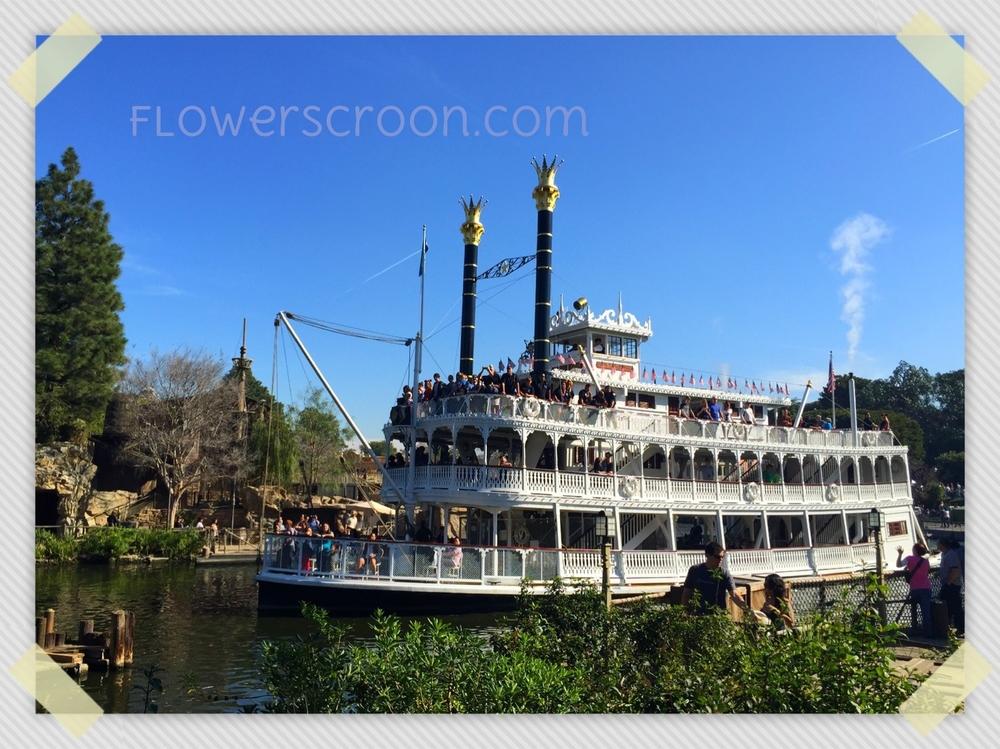 Mark-Twain-Disneyland.jpg