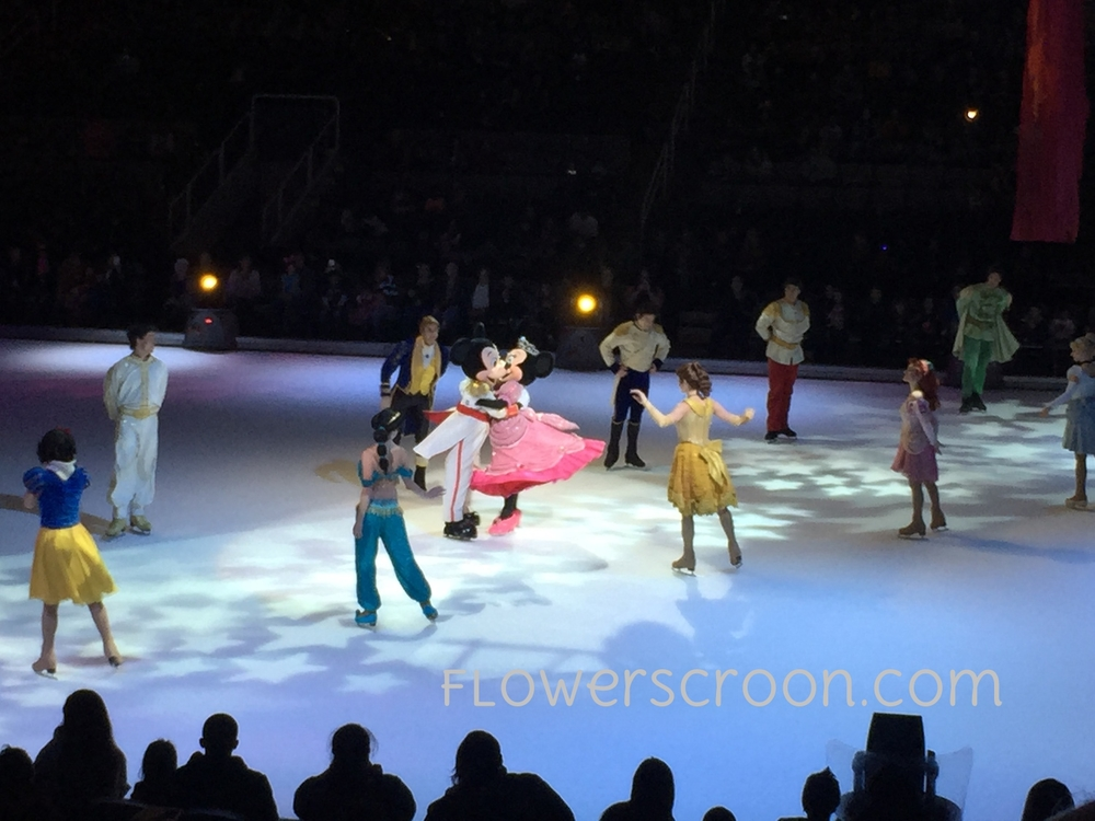 Mickey-Mouse-Minnie-Mouse-Disney-on-ice.jpg