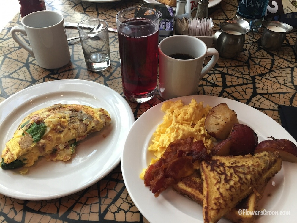 marriott-disneyland-buffet-breakfast.jpg
