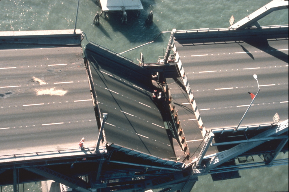 Actual Bay Bridge Collapse 1989