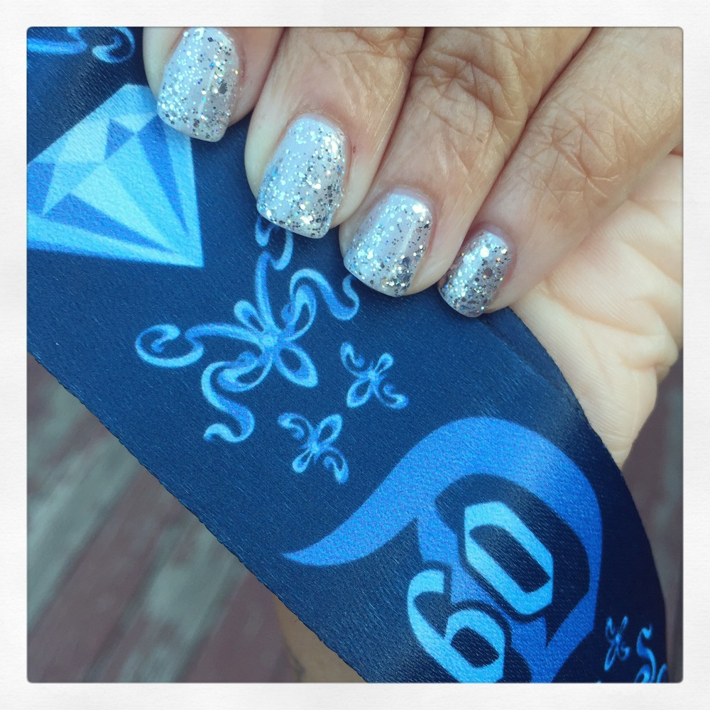 disneyland-60-nails-lanyard.jpg