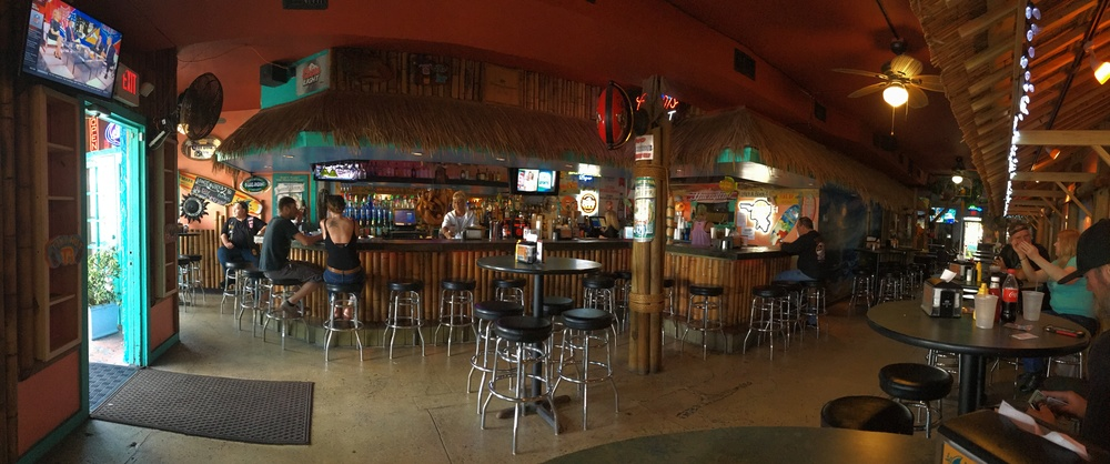 tiki-hut-pub-and-grill-daytona-beach
