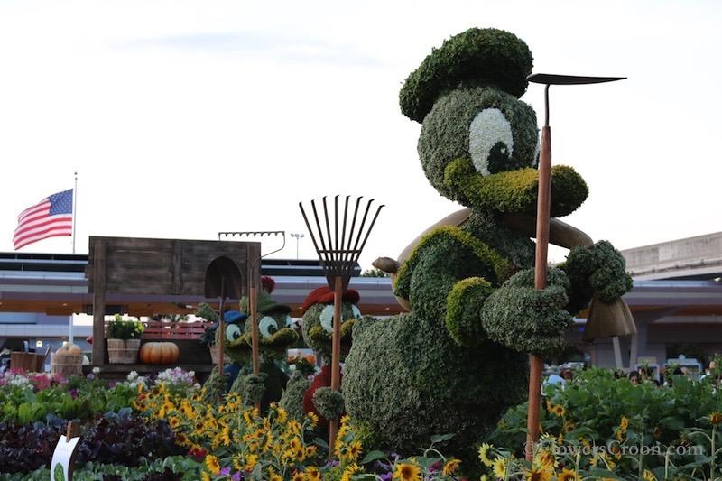 epcot-international-flower-and-garden-festival-donald.jpg
