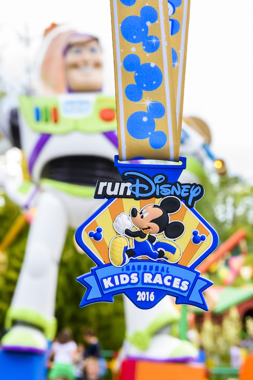 Disneyland-paris-kids-race-medal.jpg