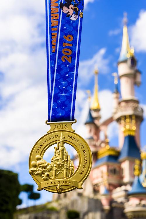 disneyland-paris-half-medal.jpg