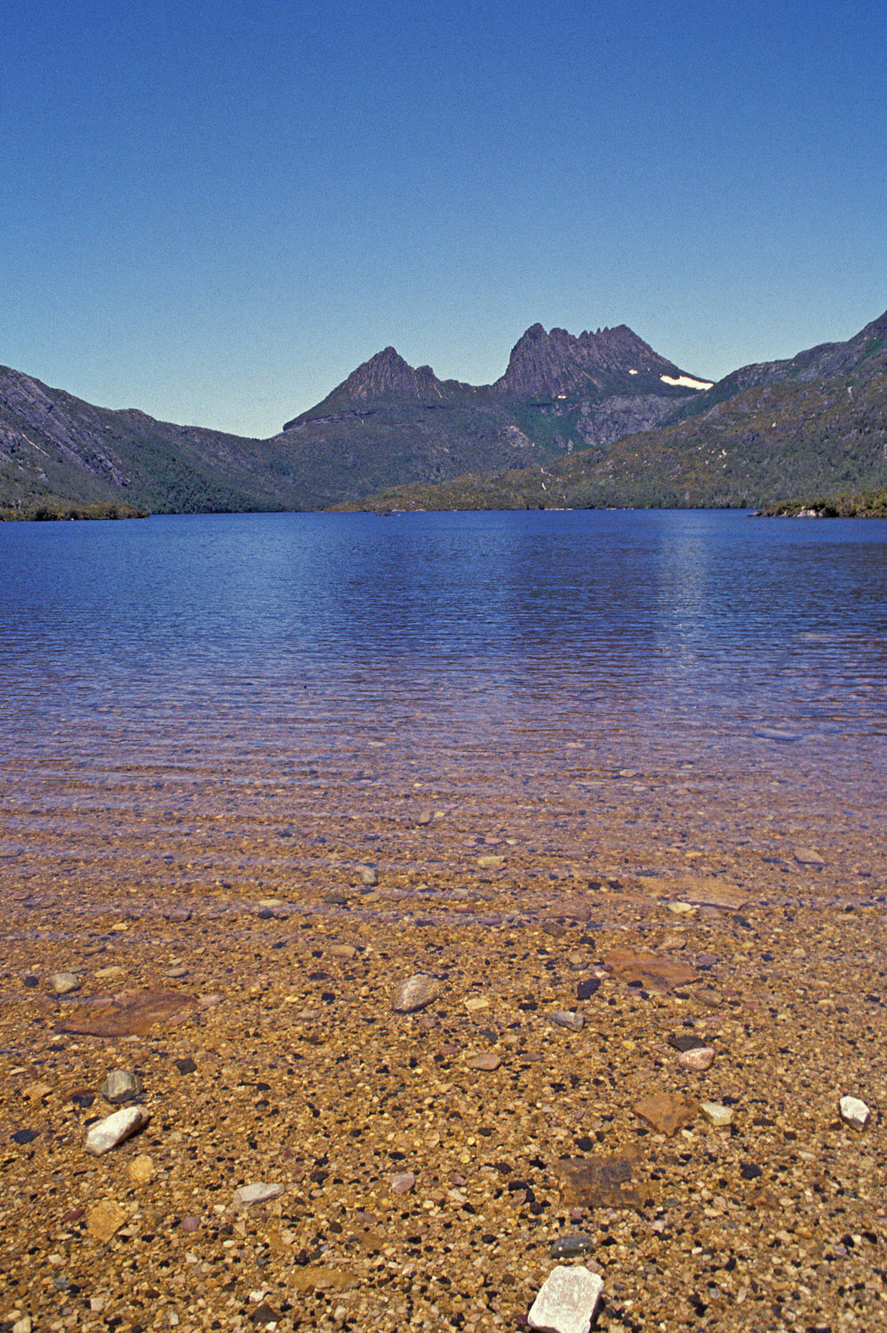 Warren-Hinder-Dove-Lake-Cradle-Mountain.jpg
