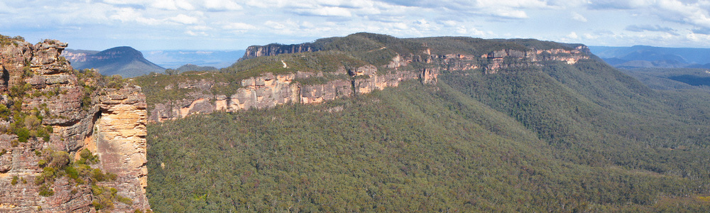 Warren-Hinder-Narrow-Neck-Pano-Katoomba_.jpg