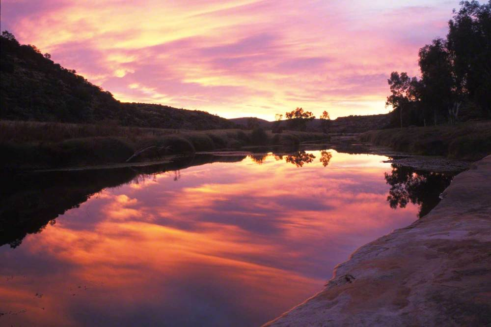 Warren-Hinder-LR-Palm-Valley-sunrise.jpg
