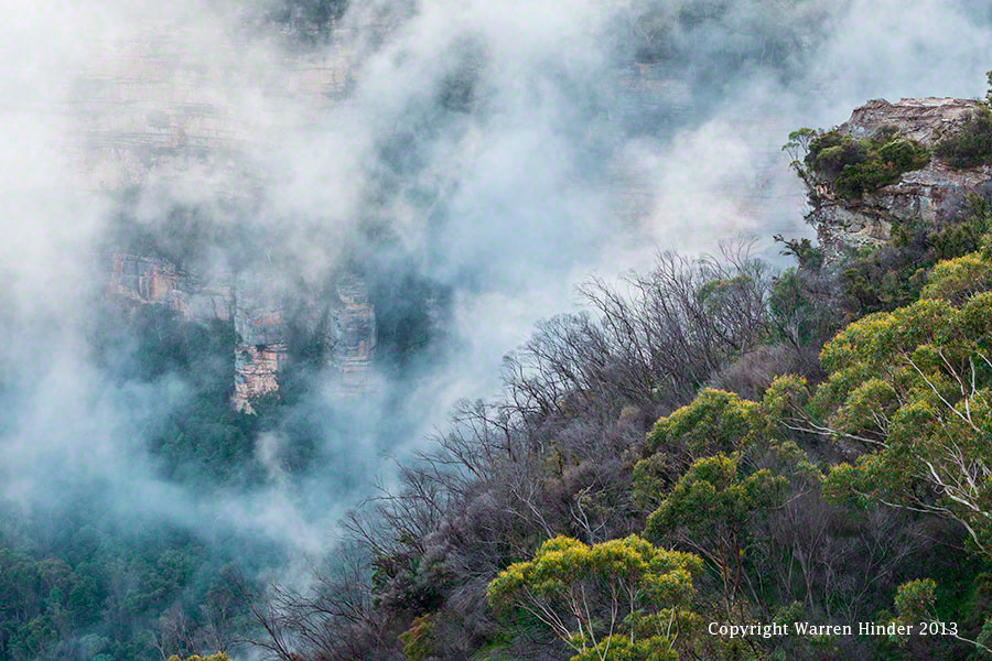 Warren-Hinder-Copyright-Mist-on-the-Escarpment-Leura.jpg