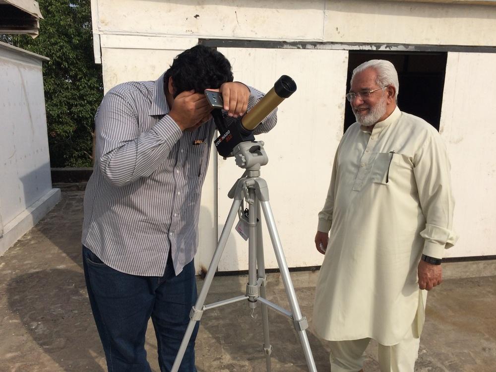 Roshaan Bukhari with Akbar Sahib