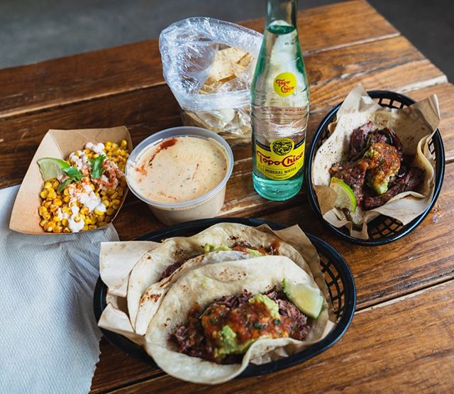 Can't get enough #brisket! Love the loaded up smoked brisket tacos, cerveza beer fajitas, and queso and street corn at @valentinastexmexbbq in #austin! Also, everyone at Valentina's is sooooo nice! 🌮🌮🧀🌽🥰 . . . . . #food #foodie #foodstagram #instafood #eater #eateraustin #eeeeeats #austintexas #atx #atxfood #meat #tacos #topochico #bbq #texmex #queso #corn #liaeats