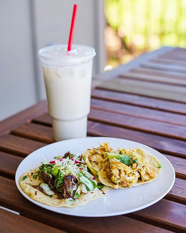 🌮🌮 Started the day by picking up #tacos and #horchata from @veracruztacos. #breakfasttacosallday 👍 . . . . . #food #foodie #foodstagram #instafood #eater #eateraustin #eeeeeats #atx #atxeats #austintx #breakfast #breakfasttacos #migas #barbacoa #liaeats
