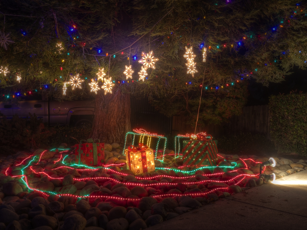 Gifts of Light @ Candy Cane Lane - Shot in HDR