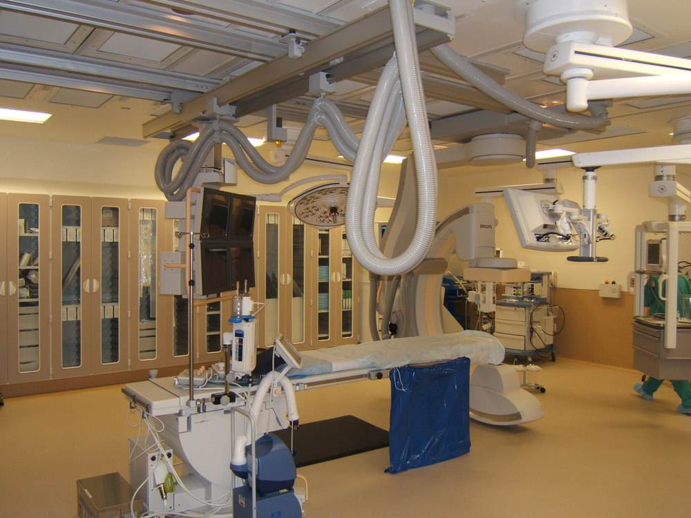 Hybrid-OR-Operating-Room-Philips-FD20-Ceiling-Skytron-LED-Lights-Skytron-Booms-Vascular-Suite-KY-4.JPG
