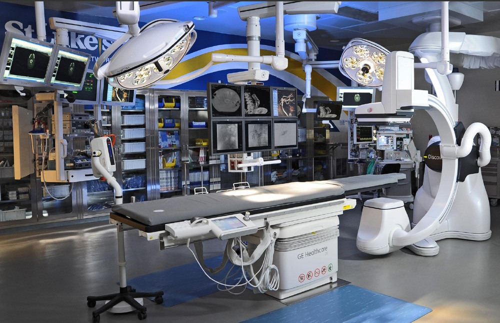 Hybrid-OR-Operating-Room-GE-Discovery-IGS-730-Skytron-LED-Surgical-Lights-Equipment-Booms-PA-16.jpg