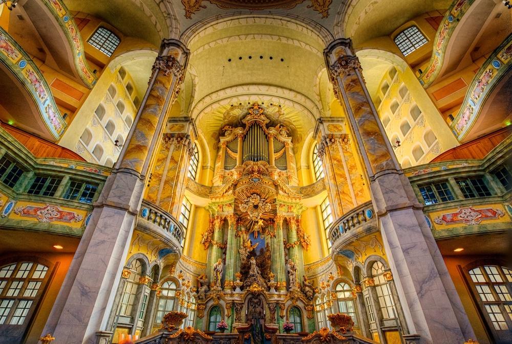 FrauenkircheAltarHDR1.jpg
