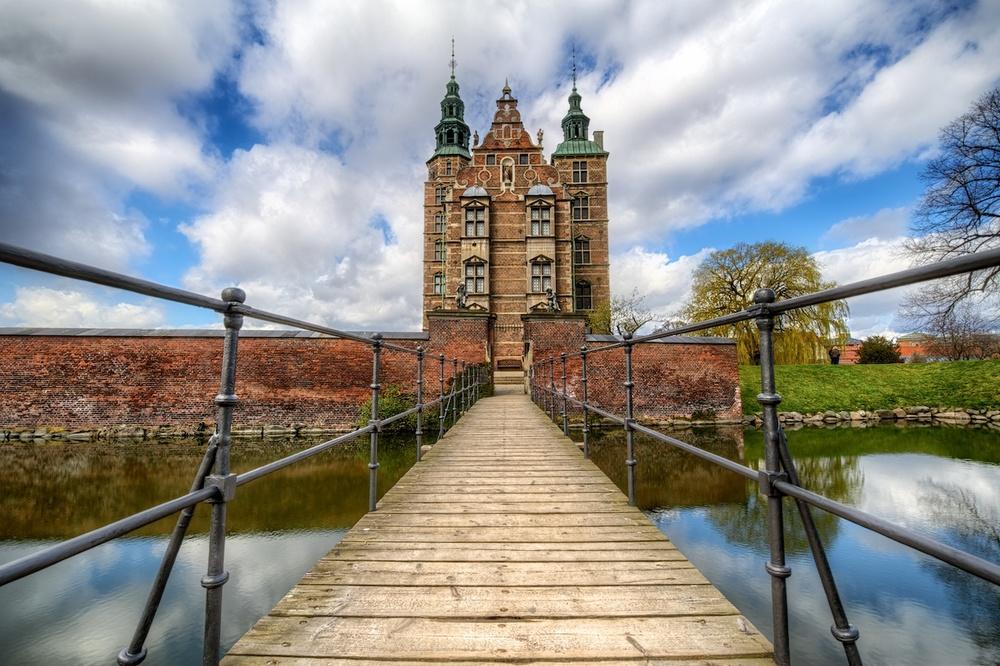 RosenborgCastleentry.jpg