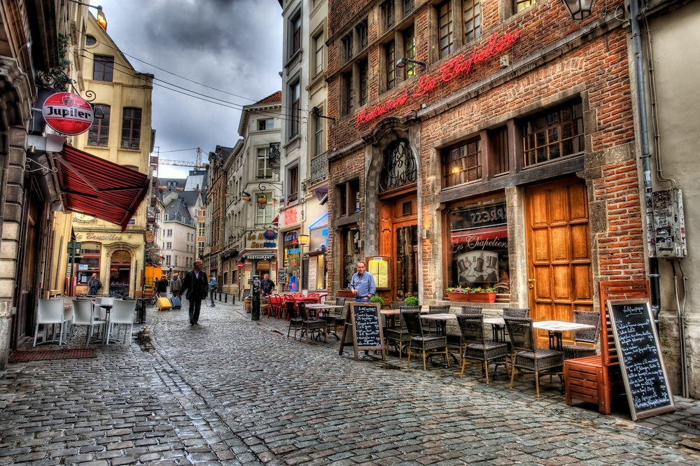 Walking the streets of Brussels — Nomadic Pursuits - a ...