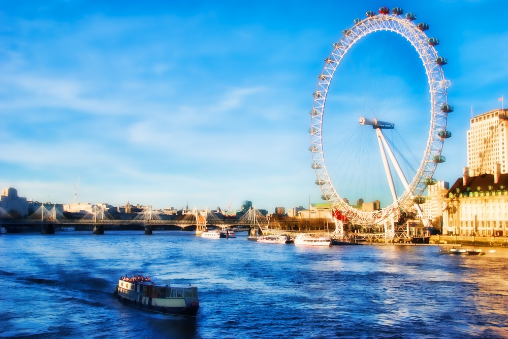 Cruising by the London Eye.jpg