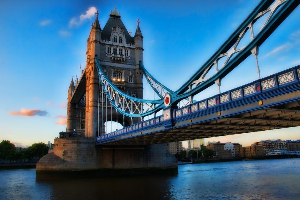 The Tower Bridge, smokin'.jpg