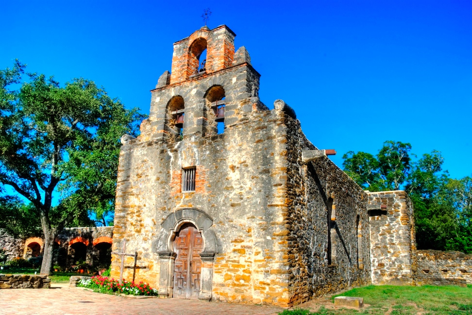 Mission Espada facade HDR - Version 2.jpg