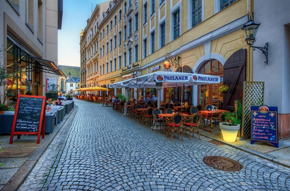 LeipzigstreetcafeHDR1.jpg