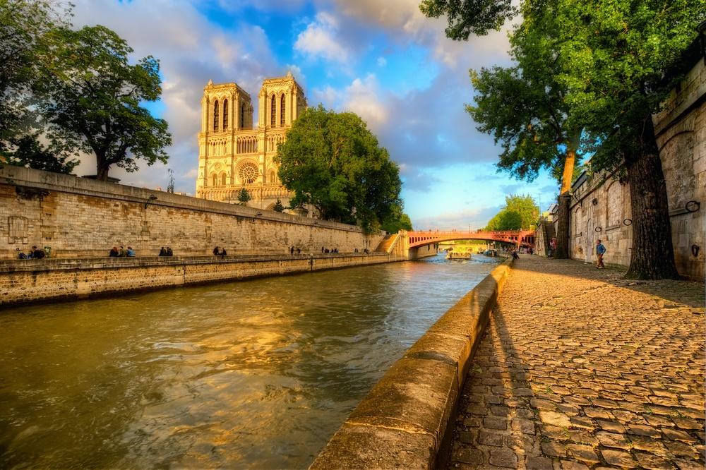 ParisTopNotreDame.jpg