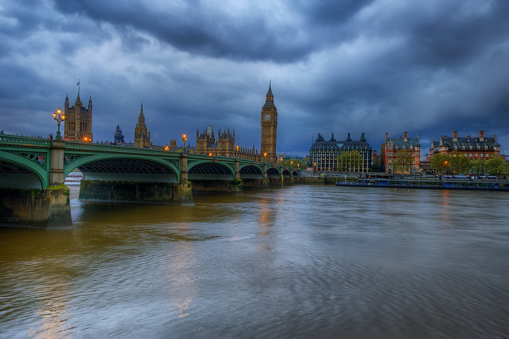 Big Ben under moody skies - 7 frame HDR (click to enlarge)