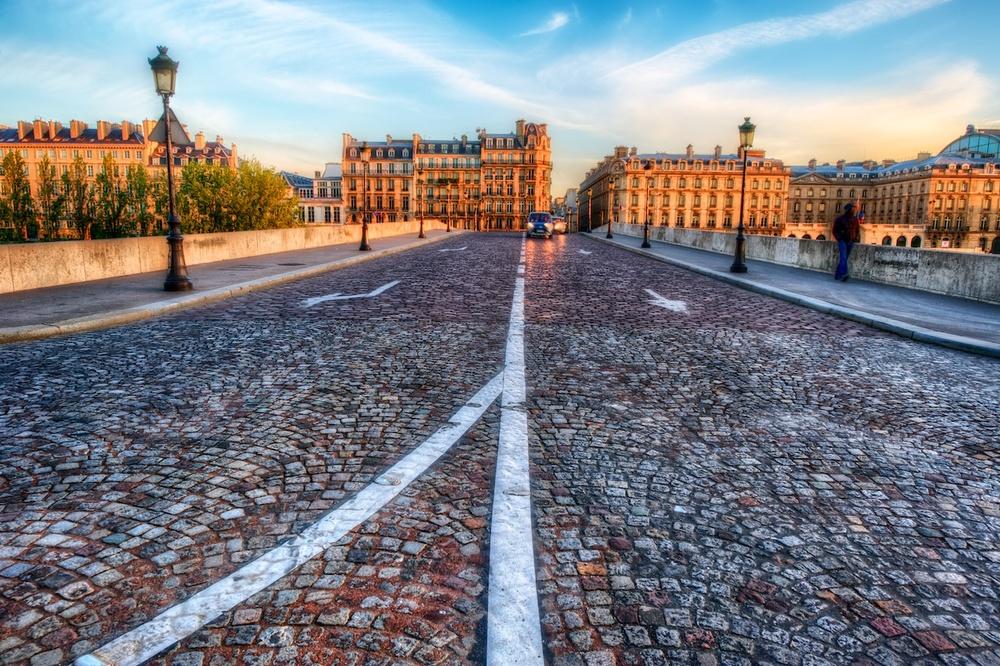 ParisStreetSceneHDR1.jpg