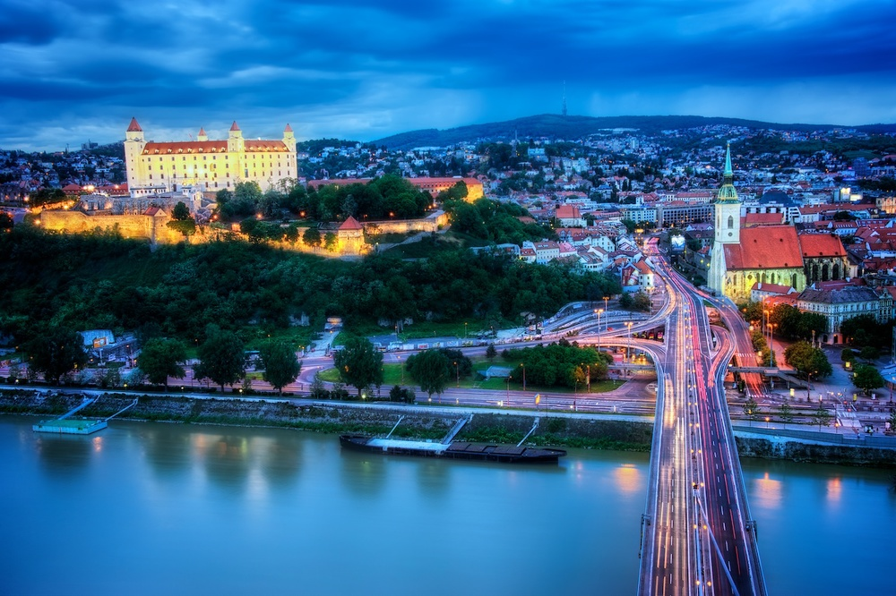 Bratislava-UFO-Castle-view-HDR-1.jpg