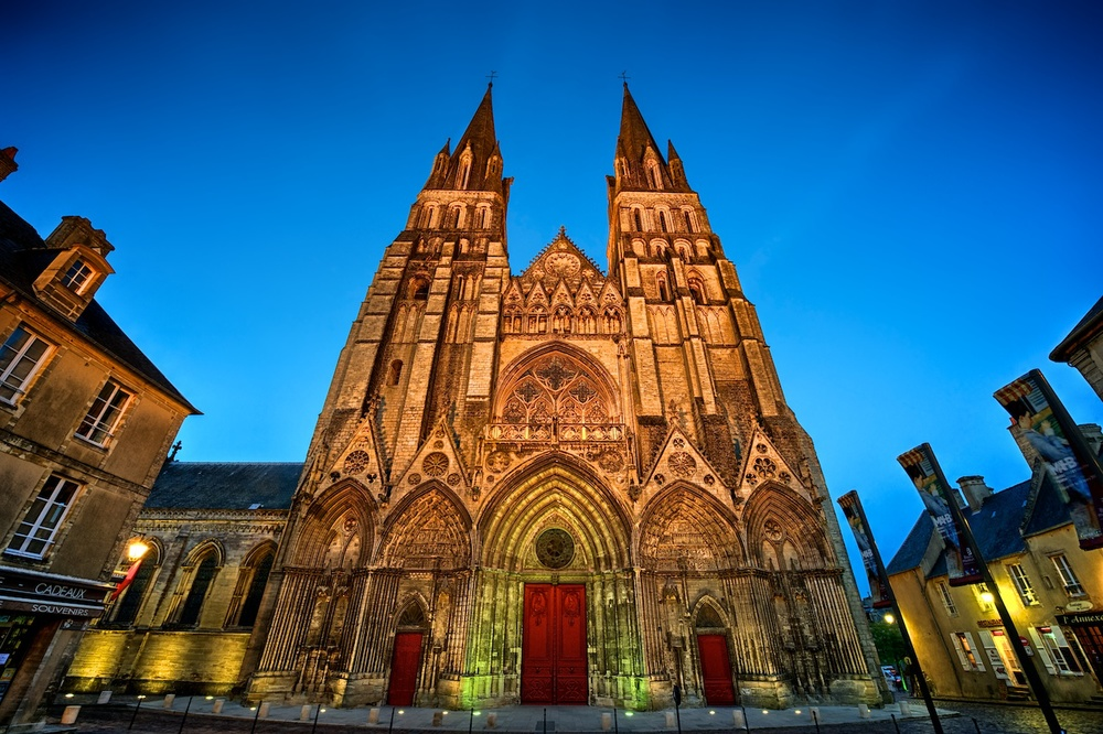 Bayeux-Cathedral-facade-blue-hour-HDR.jpg