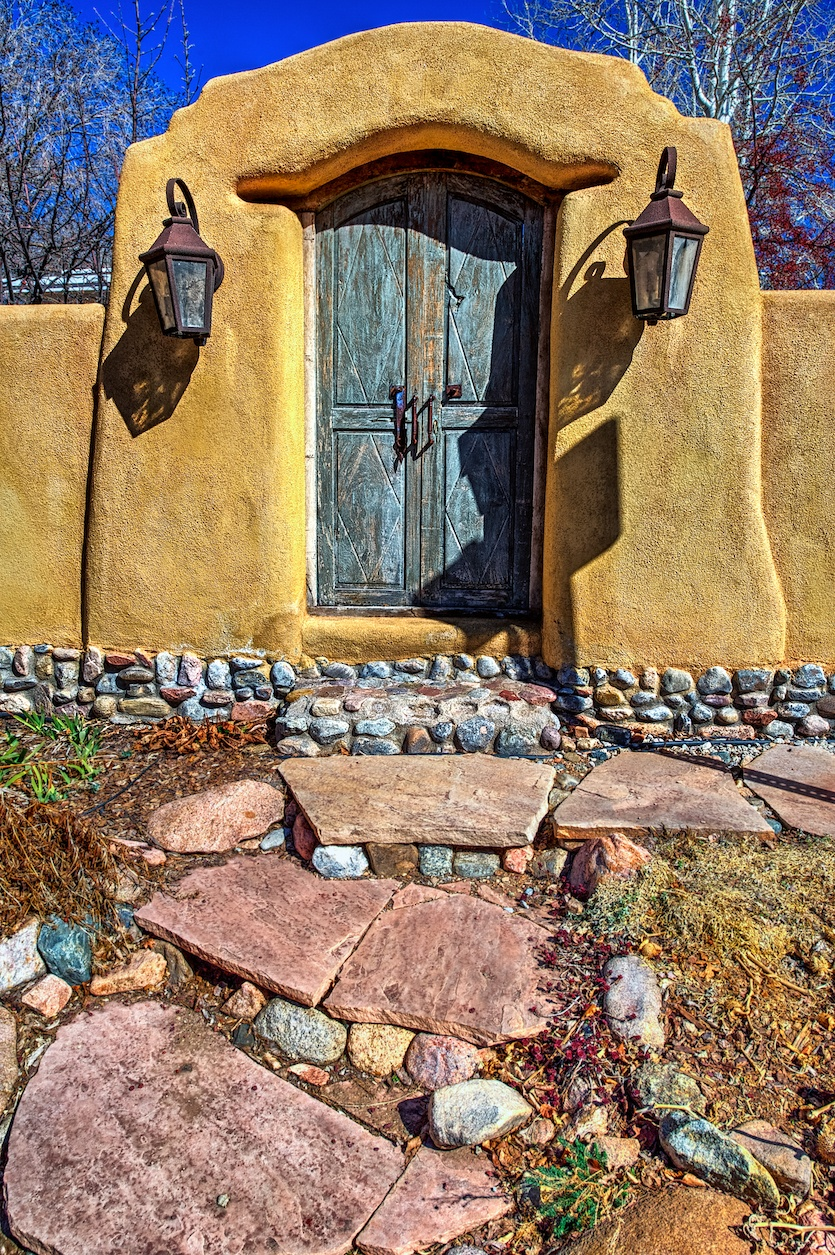 Santa-Fe-gated-entry-HDR.jpg