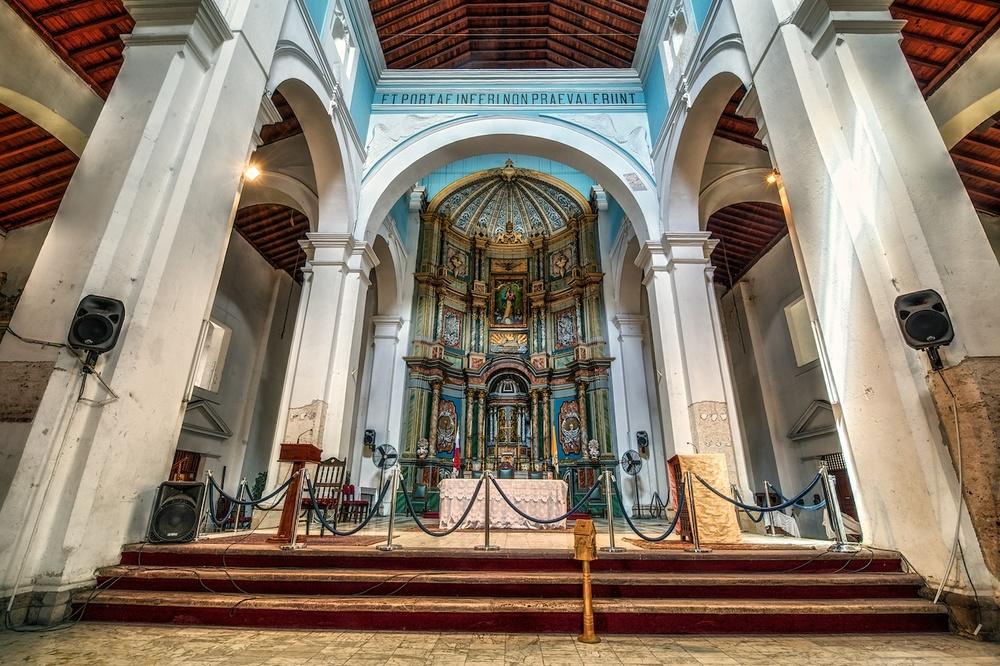 Panama-City-Iglesia-Catedral-altar-HDR.jpg