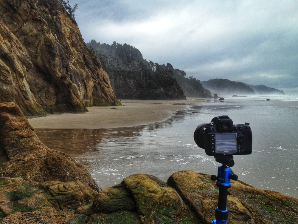 Here's my MeFOTO holding up my DSLR and wide angle lens on the Oregon coast.