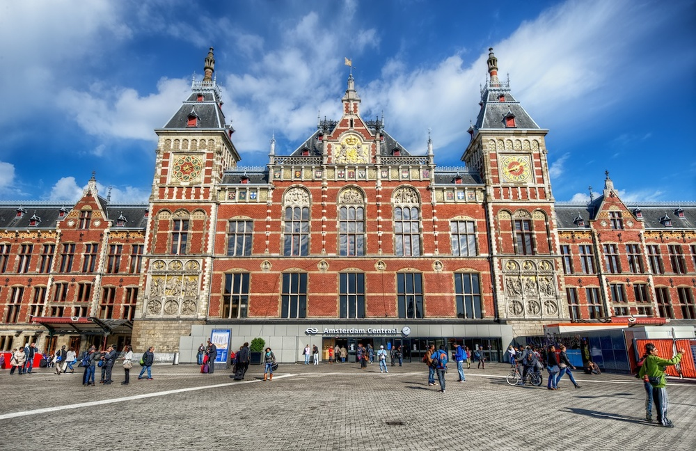 The grand facade of Amsterdam Central Station - so awesome.  Sadly I never made it there early enough!  :-)