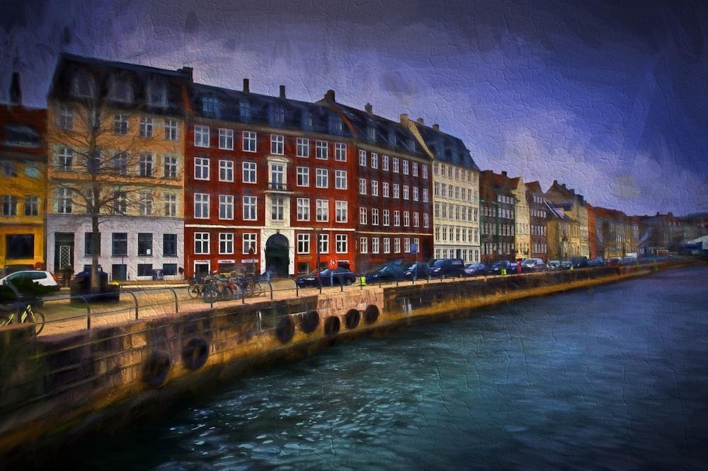 Copenhagen-Denmark-canal-rowhouses-HDR-Impression2.jpg