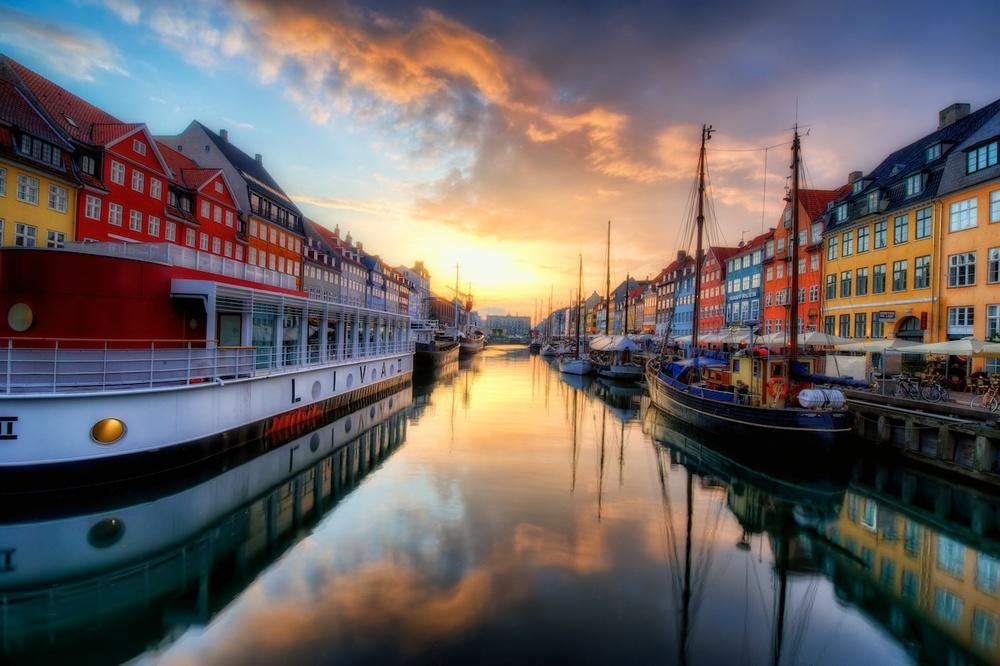 A Nyhavn sunset.jpg