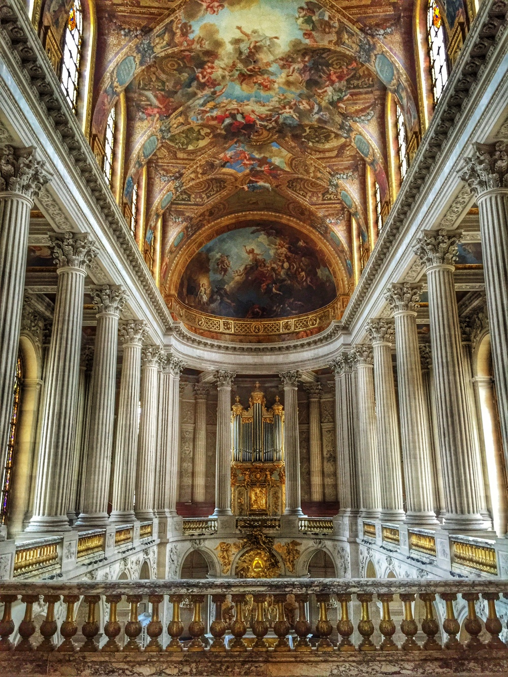 The chapel inside Versailles