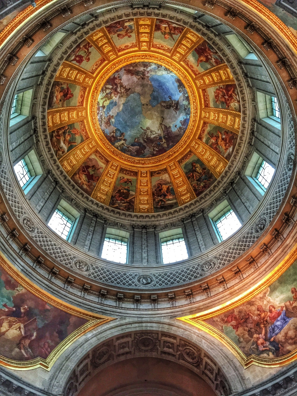 the dome inside Les Invalides (Napoleon's tomb)
