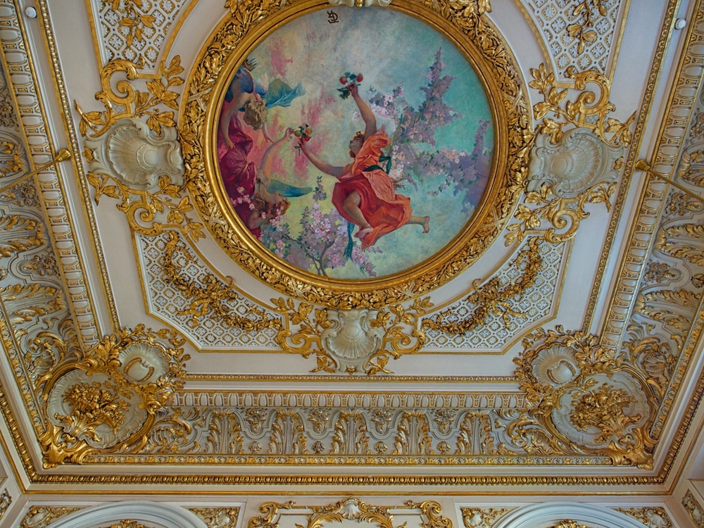 a section of the ceiling in the cafe