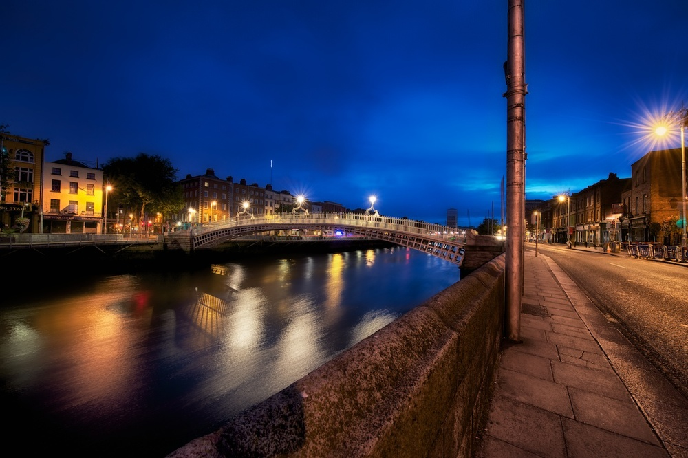 a different view of the ha'penny bridge