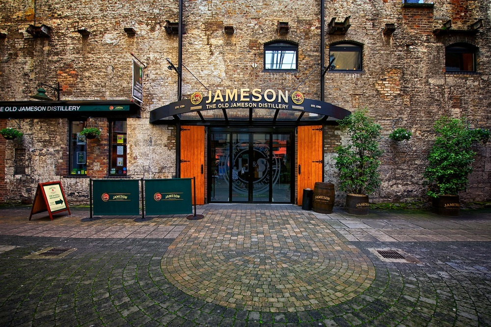 the entry to the jameson distillery - i'm not a whisky drinker, but this was a great tour!
