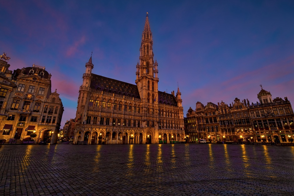 a different take on grand place, during a wonderful sunrise.  Look ma, no tourists!