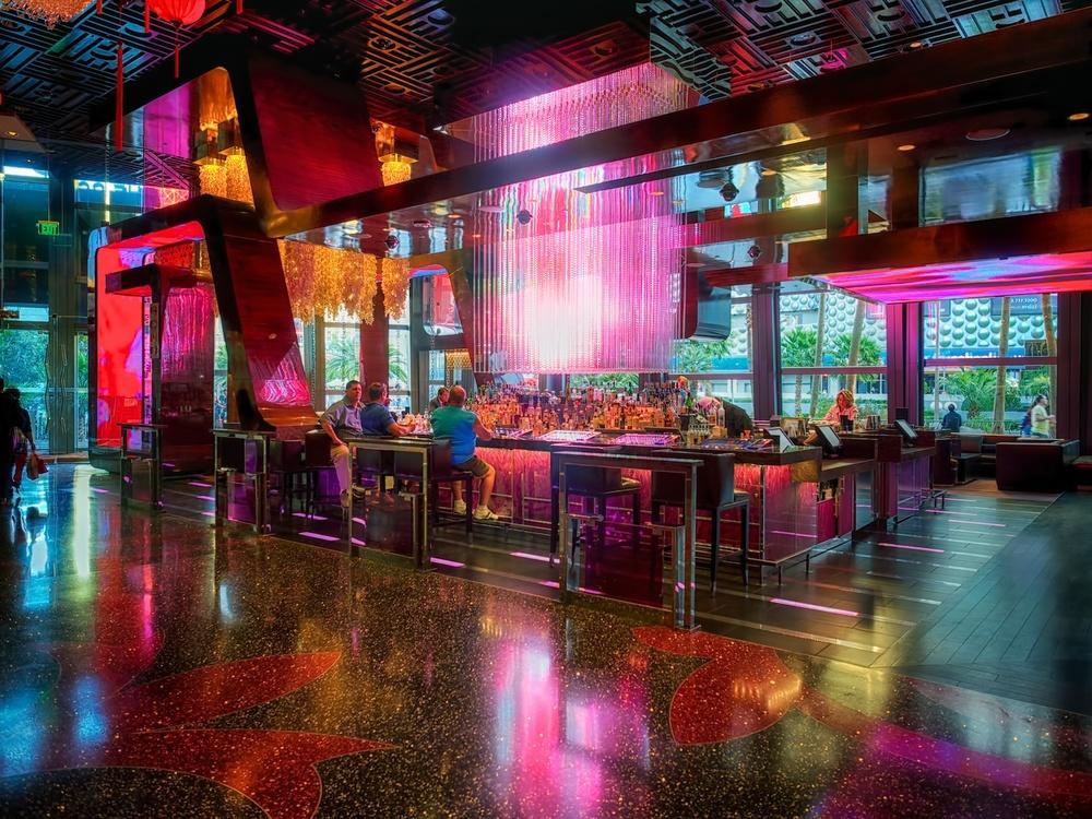 the lobby bar at the cosmopolitan